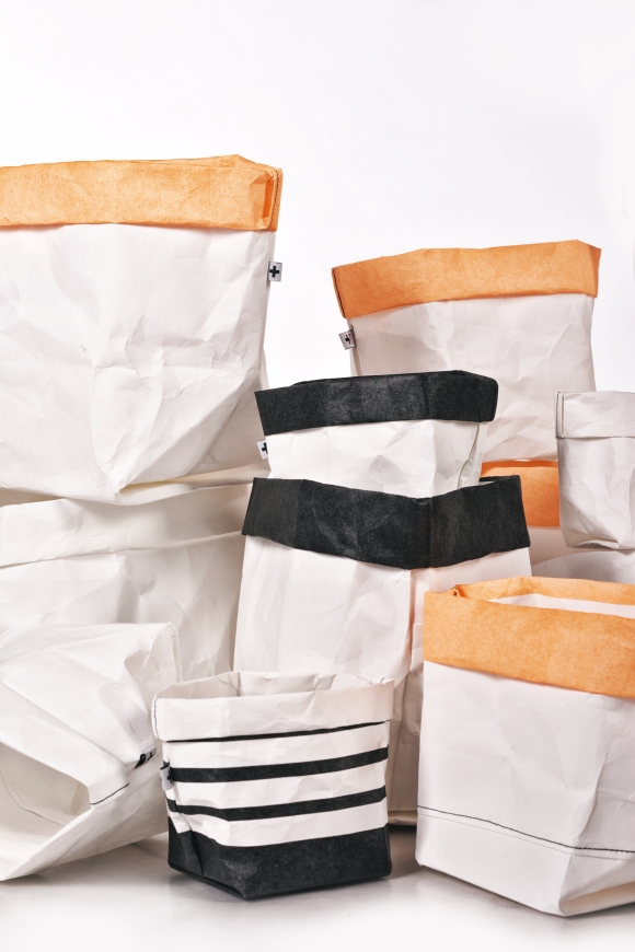 + PACK // sacks and lamps // Material: washable cellulosa fibre